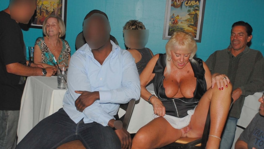 live-adult-peep-shows-tampa-florida-french-couple-having-sex-on-the-beach